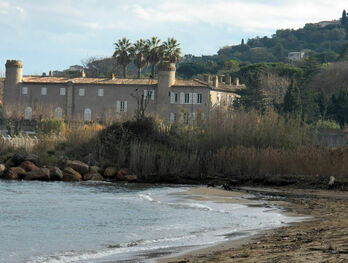 Château Bertaud à l'usine des torpilles de Gassin