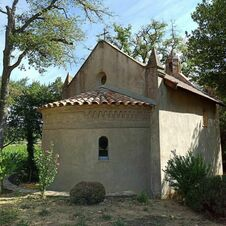 Arrière de la chapelle Minuty à Gassin - https://gassin.eu