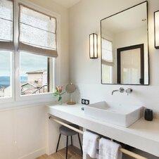 Salle de bain vue montagne
