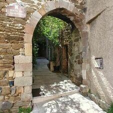 Affiche des Journées du Patrimoine - Visites guidées gratuites à Gassin, l'un des plus beaux villages de France - https://gassin.eu