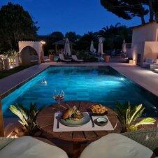 Diner vue piscine La Villa Dune