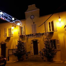 Mairie de Gassin la nuit de Noël
