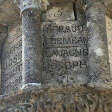 Héraud Clemean, Lavagne Joseph - 5-6- L'énigmatique monument à Saint-Joseph de Gassin - https://gassin.eu