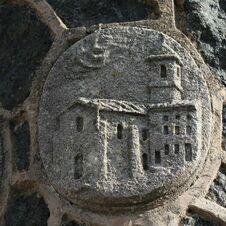 L'église - L'énigmatique monument à Saint-Joseph de Gassin - https://gassin.eu